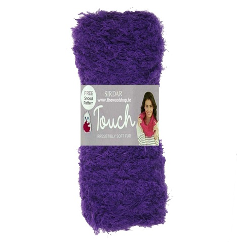 Sirdar Touch soft fur (purple 08) Free Snood Pattern